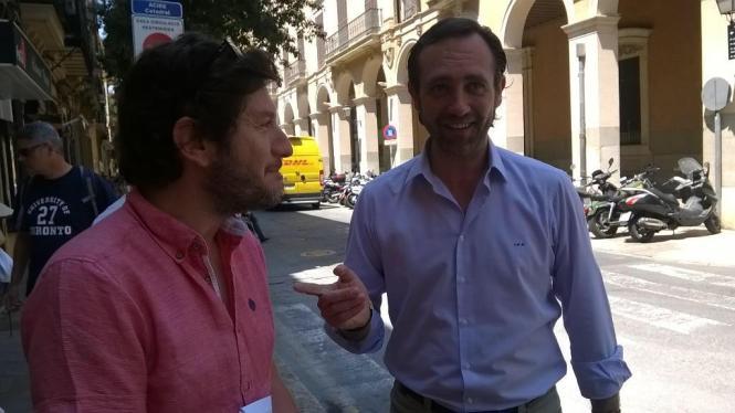 Alberto Jarabo von Podemos und Balearen-Präsident Bauzá scheinen sich gut zu verstehen.
