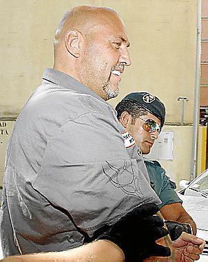 Hanebuth hat mindestens 630 Kilometer im Gefangenentransporter vor sich.