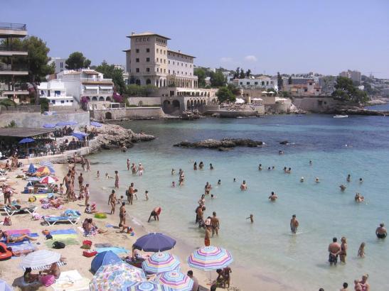 Begehrt: Wohnungen und Häuser an der Küste, wie etwa hier im Ortsteil Cas Català, der zu Calvià gehört.
