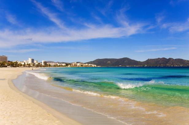 Der Strand von Cala Millor gehört laut Trivago zu den Top-Reisezielen Spaniens.