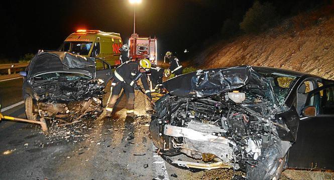 Beide Autos wurden bei dem Crash auf Mallorca total zerstört.