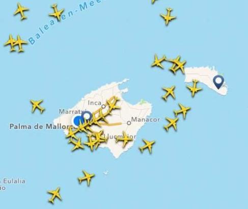 """Wie dicht der Flugverkehr auf den Balearen im Sommer ist, zeigt die App """"Flightradar24""""."""