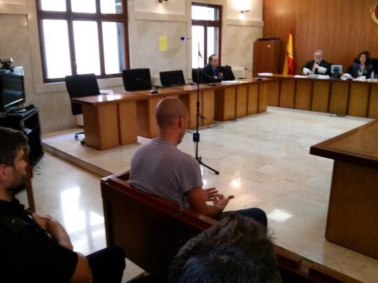 Der Angeklagte wurde zu einer Gefängnisstrafe von neun Jahren verurteilt.