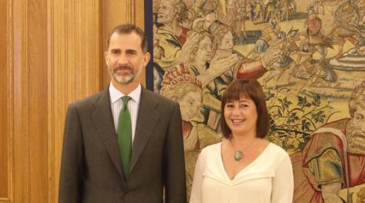 Der König und die Balearenpolitikerin: Offizielles Foto im Zarzuela-Palast.