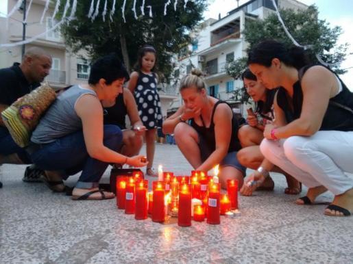 Mehrere hundert Menschen trauerten in Palma um die Tote.