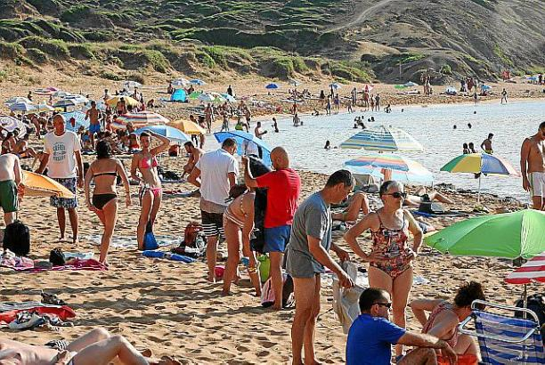Der Strand von Cavalleria auf Mallorcas Nachbarinsel Menorca.