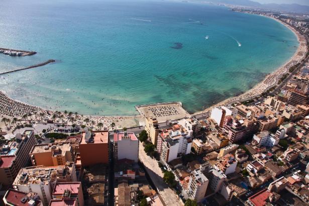 Der Ortsteil S'Arenal an der Playa de Palma, für den sowohl das Rathaus in Palma als auch das in Llucmajor zuständig sind.