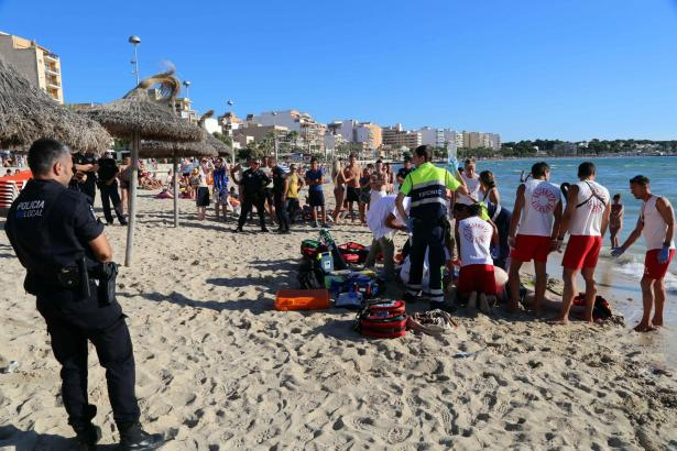 Nach einem Badeunfall an der Playa de Palma.