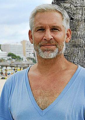 """Mallorca ist ein guter Platz zum """"Tindern"""", sagt Ingo Wohlfeil, alias Jonas Grünanger."""
