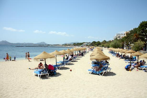 Der Strand von Port de Pollença.