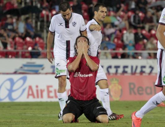 Hier bedauert Reals Neuzugang Rolando Bianchi eine vergebene Chance gegen Huesca. Im Spiel gegen Numancia am Sonntag ist der Ita