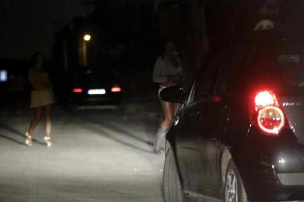 Das 2011 entstandene Archivfoto dokumentiert Straßenprostitution im Zentrum von Palma.