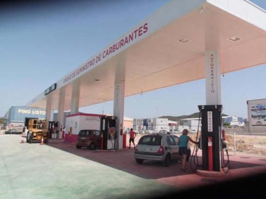 Die neue SB-Tankstelle im Industriegebiet Son Bugadelles auf Mallorca muss vorläufig schließen.