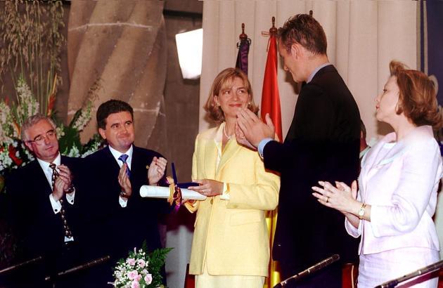 Infantin Cristina mit ihrem Ehemann Iñaki Urdangarin und Jaume Matas bei einem Mallorca-Besuch in besseren Zeiten.
