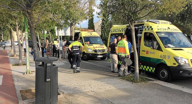 Drei Rettungswagen kamen zur Versorgung der Verletzten
