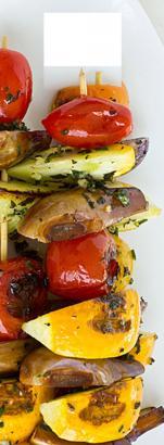Aufgespießt zum Grillen: Leckeres Gemüse.