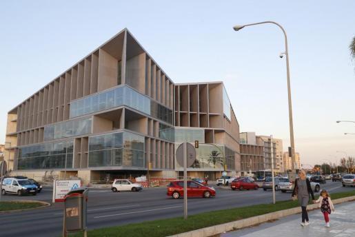 Jetzt auch von Innen zu besichtigen: Palmas nahezu vollendeter Kongresspalast.