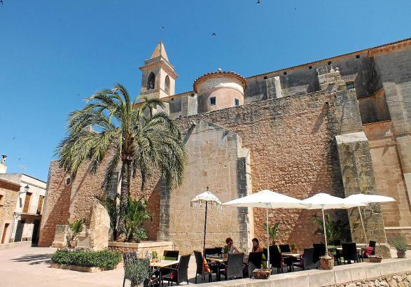 Außer Kleinstadt-Idylle und Marktrummel hat Santanyí eine lebendige Kulturszene zu bieten. Die Gemeinde will das Angebot nun zus