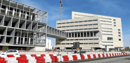 Können bis Januar besichtigt werden: Der Kongresspalast und das Hotel.