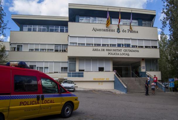 Die Hauptwache der Lokalpolizei in der Sant-Ferran-Straße.