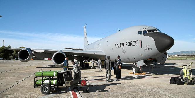 Eines der US-Flugzeuge im Manöver auf Mallorca. Die deutsche Maschine konnte nicht fotografiert werden.