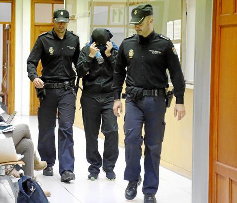 Einer der auf Mallorca festgenommenen Polizisten.