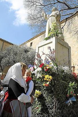 Das Denkmal der Sor Francinaina in Sencelles.