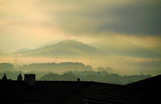 Die morgendlichen Nebel sind auf Mallorca typisch für den Herbst. Wie hier bei Artà sorgten sie in den vergangenen Tagen für kur