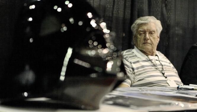 """In """"Star Wars"""" wurde nie das Gesicht von Darth-Vader-Darsteller David Prowse gezeigt. Auch seine Stimme wurde gedoubelt."""