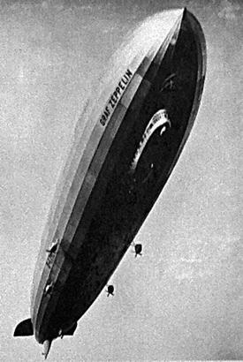 """Das Luftschif """"LZ 127"""" wurde auf den Namen """"Graf Zeppelin"""" getauft und umrundete im selben Jahr per Weltreise die Erdkugel."""