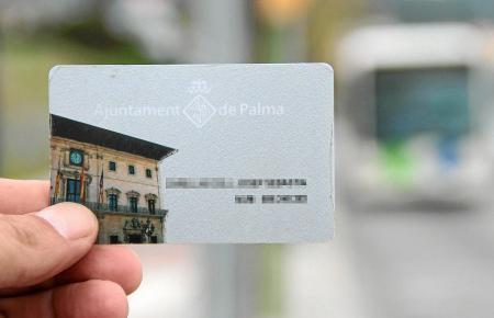 """Kompakt und praktisch: Mit der """"Tarjeta Ciudadana"""" können Bürger aus Palma de Mallorca und Umgebung unkomplizierter und günstige"""