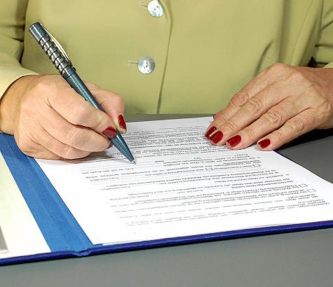 Vor dem Unterzeichnen besser genau informieren: In Spanien ändern sich die Regeln im Erb- und Immobilienrecht häufig.