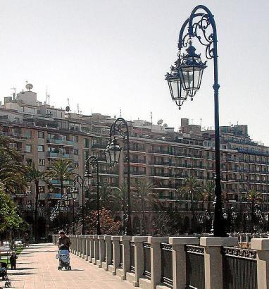 Die schmucken Laternenmodelle im Zentrum, wie hier am Paseo Mallorca, sollen erhalten bleiben. Nur die Lichtquellen werden ausge