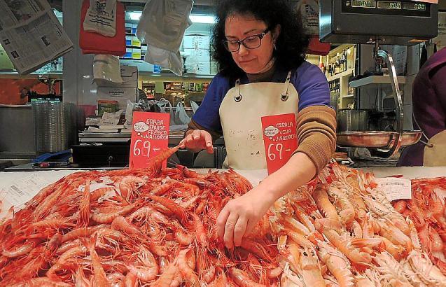 Die  Preise für Gambas auf Mallorca haben angezogen.