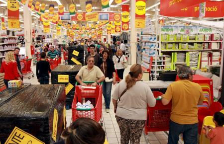 Vor Weihnachten sind die Supermärkte der Insel häufig überrannt.