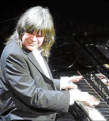 Axel Zwingenberger wurde 2007 in die Boogie Woogie Hall of Fame aufgenommen.