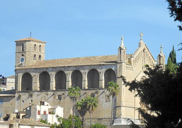 Die Arbeiter sollen sich um die Grünflächen und Parks in Artà im Nordosten von Mallorca kümmern.