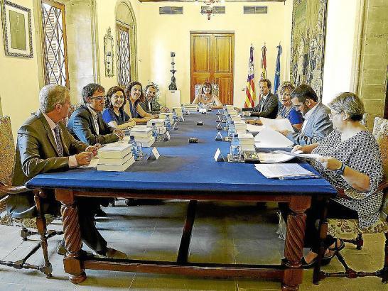Am Dienstag legte die Balearen-Regierung Änderungen der geplanten Urlaubersteuer fest. Hier eine der vergangenen Kabinettssitzun