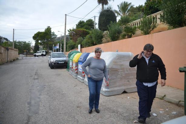 Mitarbeiter des Rathauses in Andratx inspizierten die Müllcontainer