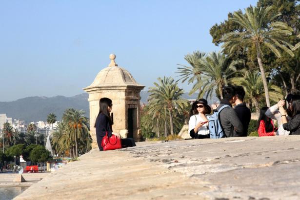 Sonniger Urlaub auf Mallorca kann aus der Winterdepression heraus helfen – auch wenn die Reise erst Monate später losgeht.