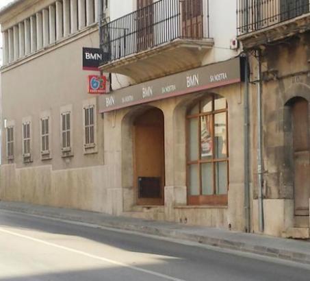 Die überfallene Bankfiliale in Consell auf Mallorca.