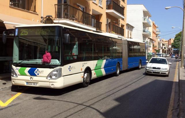 Viele Mallorca-Besucher kennen die EMT-Busse von den Fahrten zur Playa de Palma.