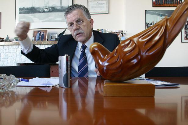 Felipe Navío von der Vereinigung der spanischen Fluggesellschaften AECA stellt den bisherigen Residenten-Rabatt für Flüge von Ma