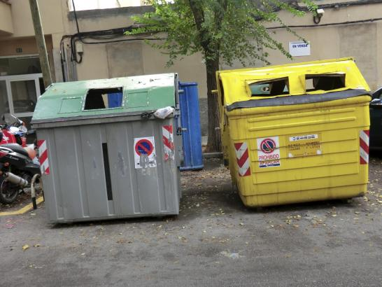 Unansehnliche Müllcontainer in Palma.