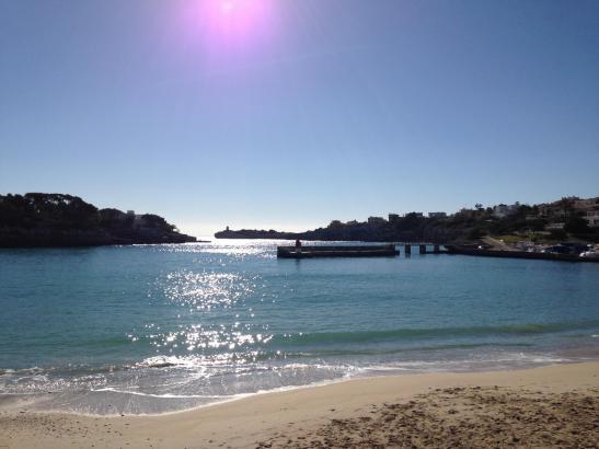 Auch für das Problem des Sandverlusts am Strand von Porto Cristo im Osten von Mallorca soll eine Lösung gefunden werden.