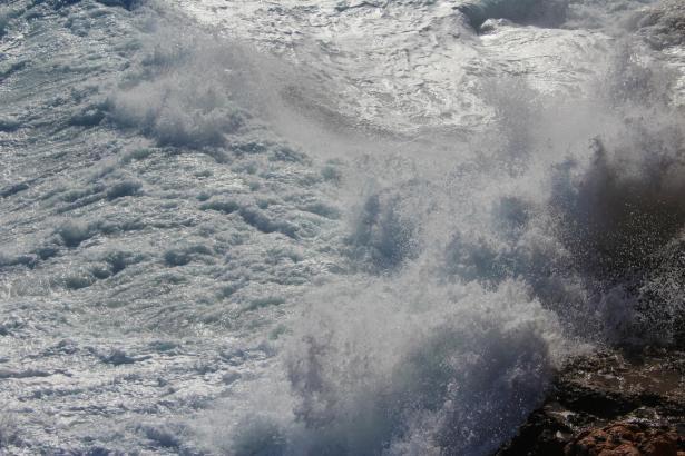 Für Freitag und Sonntag warnt das Wetteramt vor hohen Wellen.