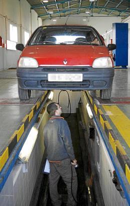 Jedes Auto, das ein spanisches Kennzeichen bekommen soll, muss vorher zur ITV
