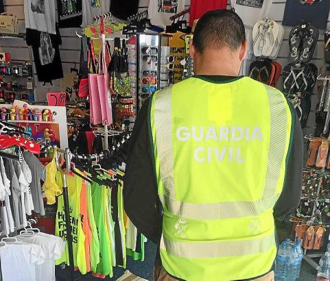Einsatz gegen Markenfälscher auf Mallorca.