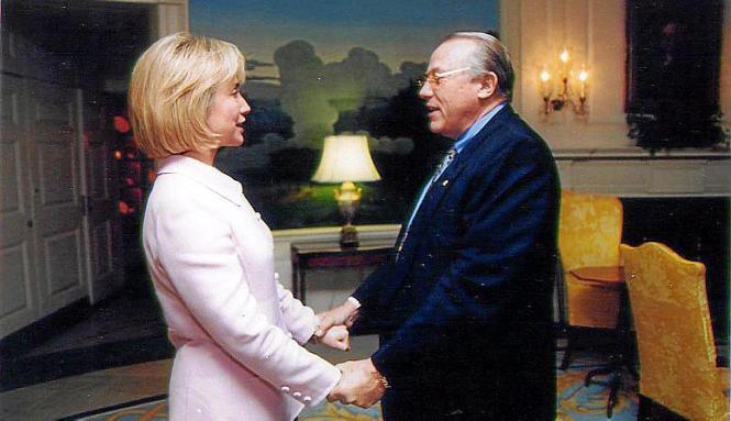 Hillary Clinton und Tumy Bestard trafen sich im November 1997 im Weißen Haus.