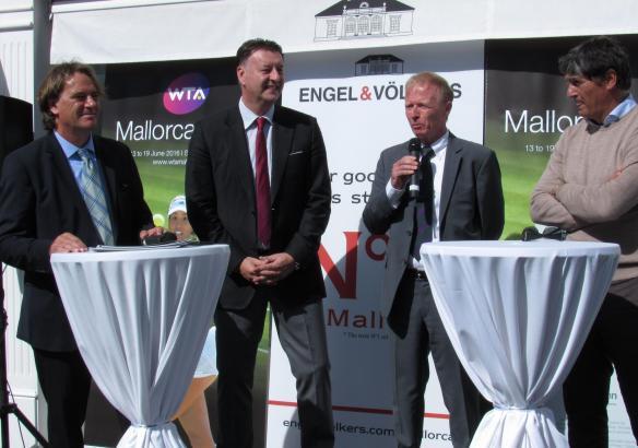 Bei der Pressekonferenz (von links nach rechts): Peer Zebergs und Edwin Weindorfer von Turnierveranstalter Emotion, Wimbedon-Vor